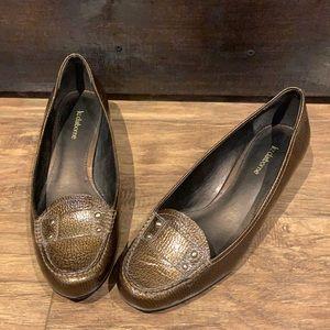 Liz Claiborne Jensen low heels